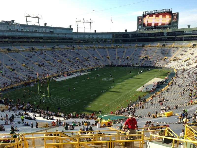 Seating view for Lambeau Field Section 347 Row 9 Seat 22