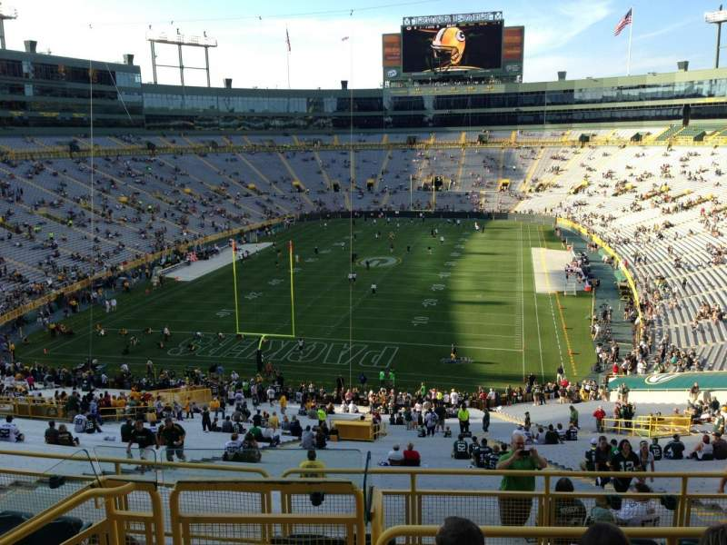 Seating view for Lambeau Field Section 351 Row 4 Seat 10