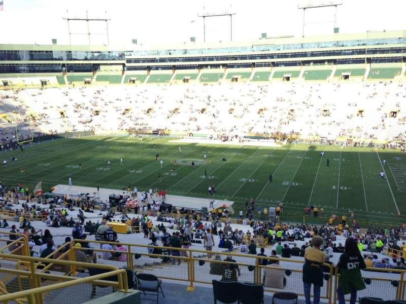 Seating view for Lambeau Field Section 332 Row 9 Seat 15