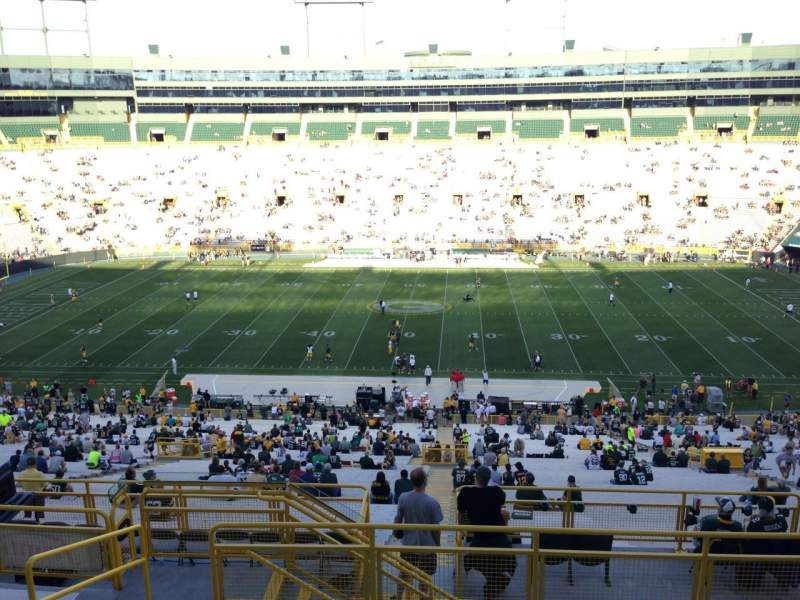 Seating view for Lambeau Field Section 328 Row 8 Seat 4