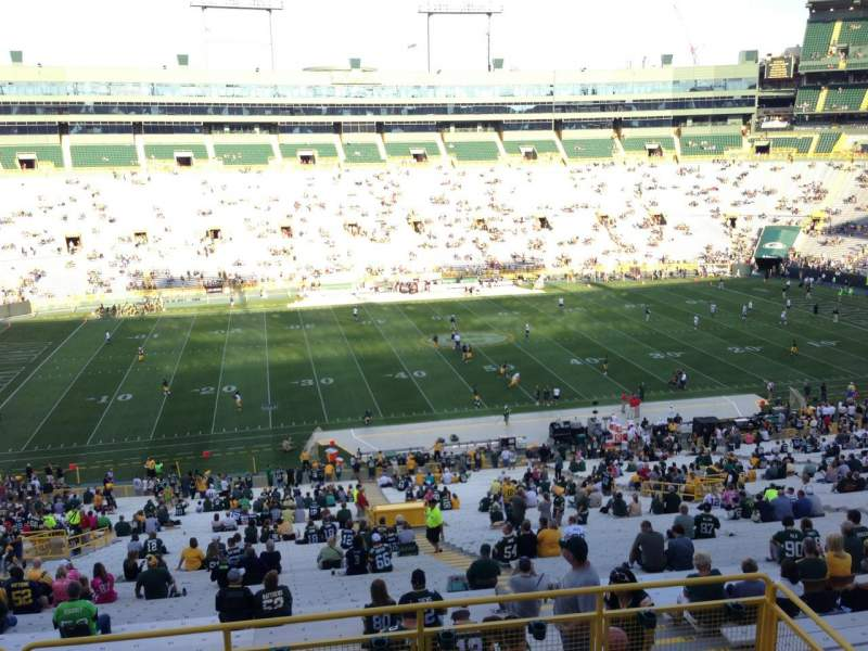 Seating view for Lambeau Field Section 322 Row 3 Seat 10