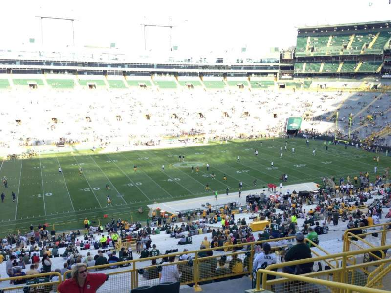 Seating view for Lambeau Field Section 320 Row 6 Seat 15