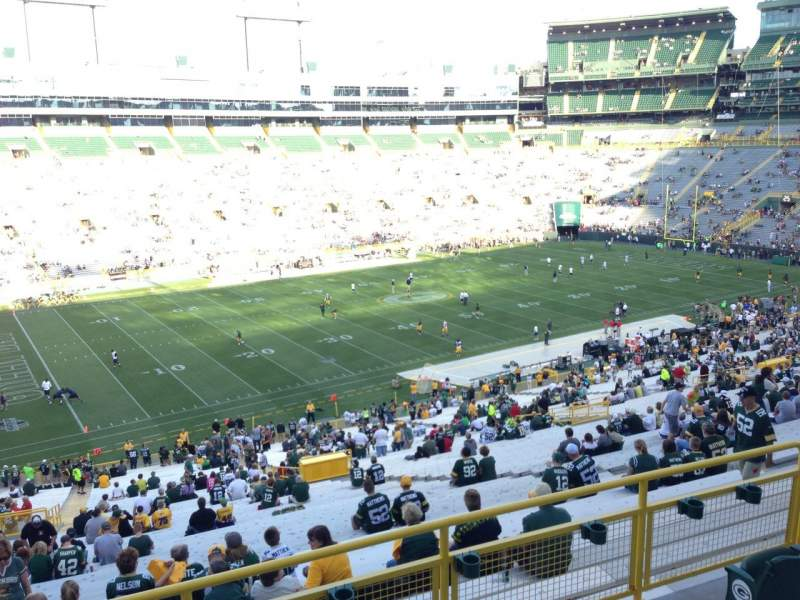 Seating view for Lambeau Field Section 318 Row 1 Seat 21