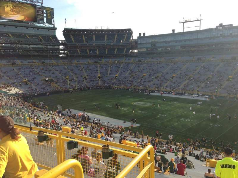 Seating view for Lambeau Field Section 409 Row 4 Seat 7