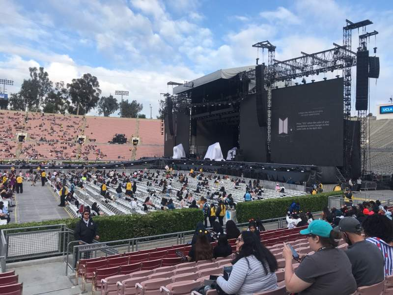 Seating view for Rose Bowl Section 19-L Row 10 Seat 2