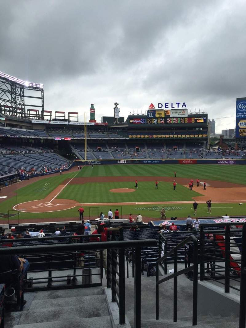Seating view for Turner Field Section 207L Row 5 Seat 101