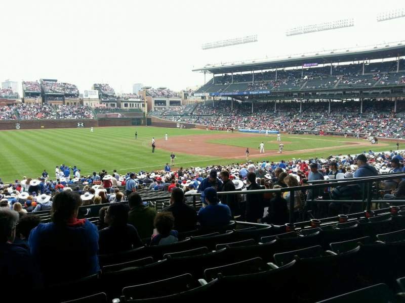 Seating view for Wrigley Field Section 206 Row 7 Seat 10