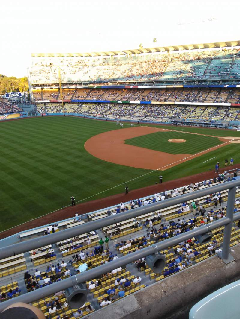 Seating view for Dodger Stadium Section 35RS Row B Seat 21