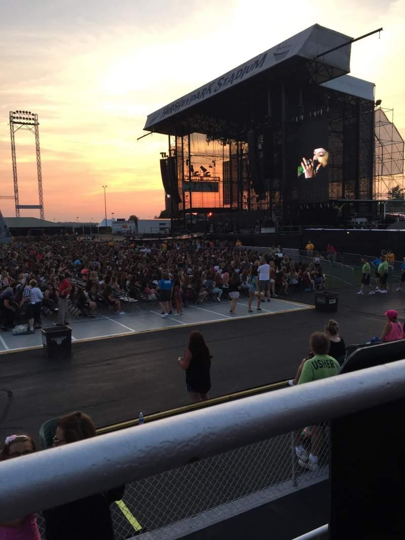 Hershey Park Stadium, section: 25, row: AA, seat: 27