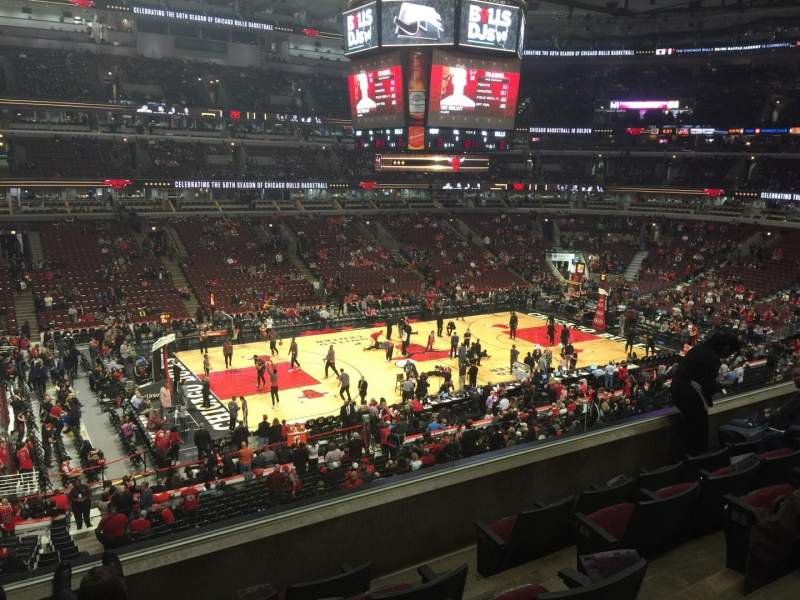 United Center, section: 203, row: 5, seat: 1