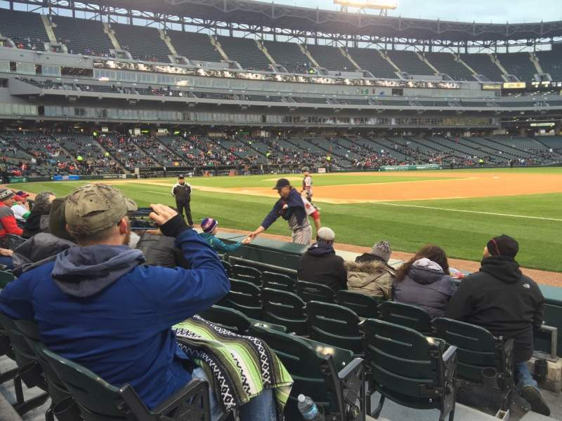 Seating view for Guaranteed Rate Field Section 118 Row 4 Seat 8