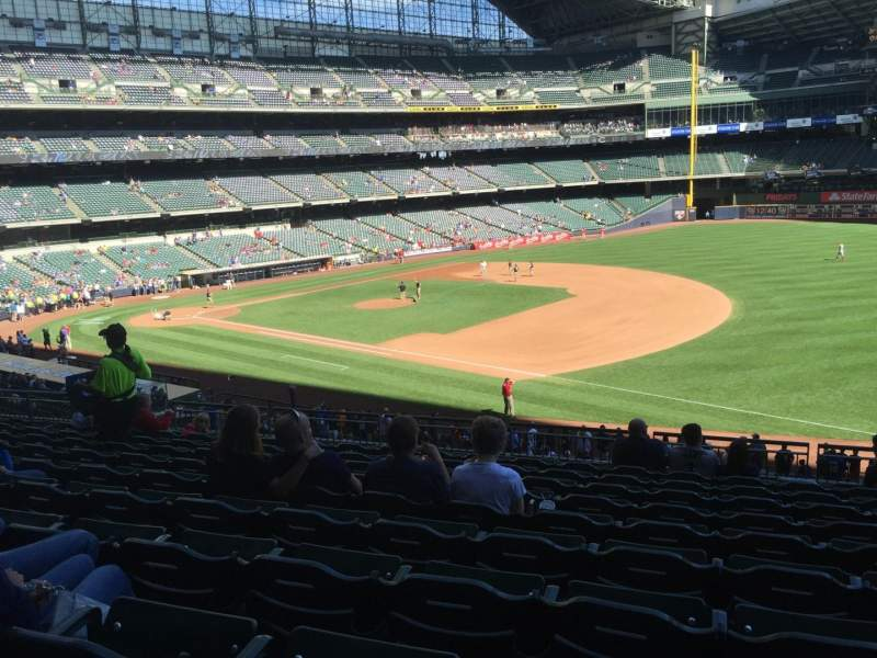 Seating view for Miller Park Section 210 Row 11 Seat 17