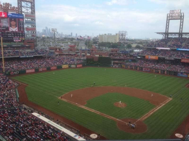 Citizens Bank Park, section: 422, row: 2, seat: 8