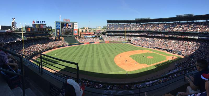 Seating view for Turner Field Section 418R Row 2 Seat 2