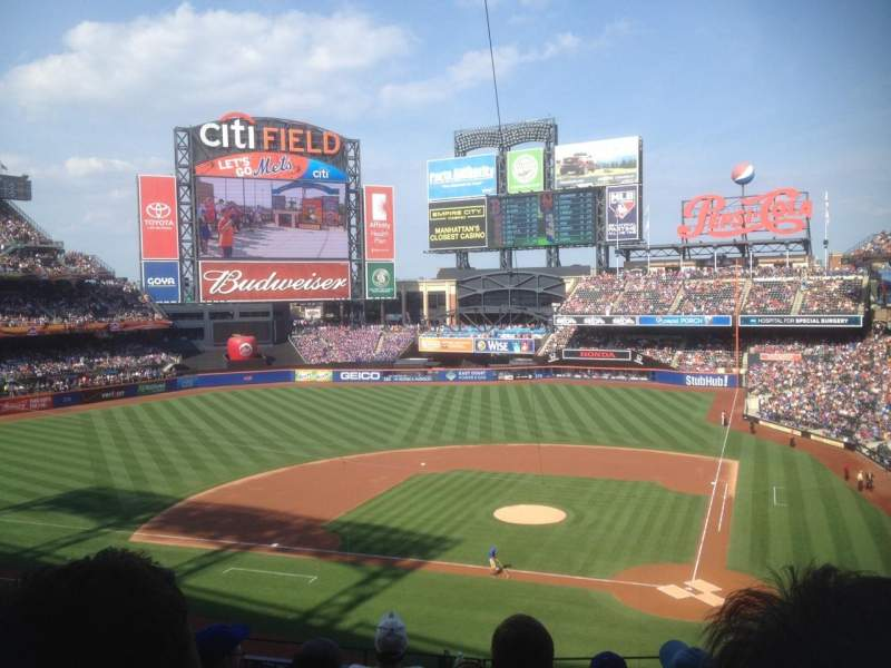 Seating view for Citi Field Section 323 Row 6 Seat 7