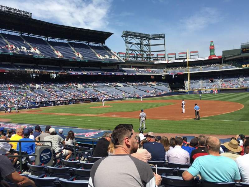 Seating view for Turner Field Section 117R Row 14 Seat 7