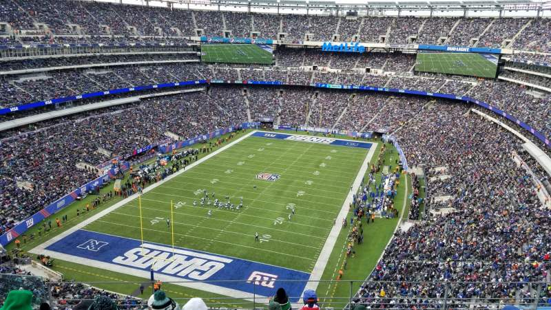 Seating view for Metlife Stadium Section 323 Row 20 Seat 27