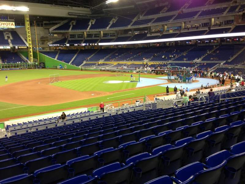 Seating view for Marlins Park Section 22 Row 14 Seat 21