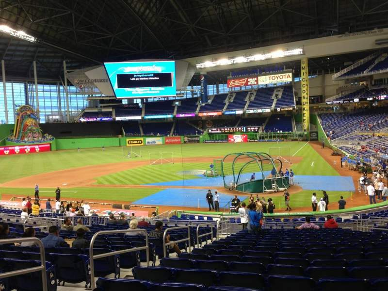 Seating view for Marlins Park Section 17 Row 13 Seat 11