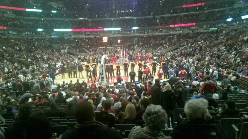 Seating view for United Center Section 117 Row 11 Seat 2