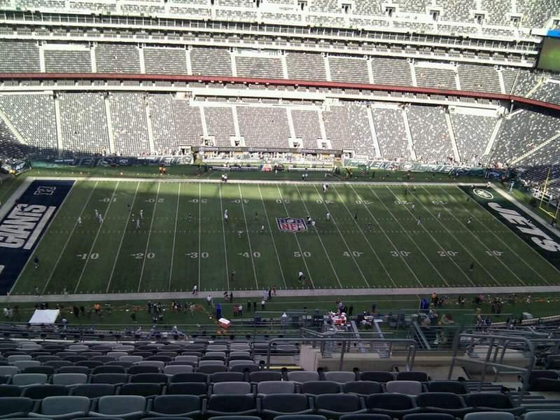MetLife Stadium, section: 340, row: 19, seat: 6