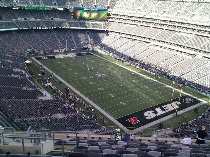 Seating view for MetLife Stadium Section 331 Row 17 Seat 22
