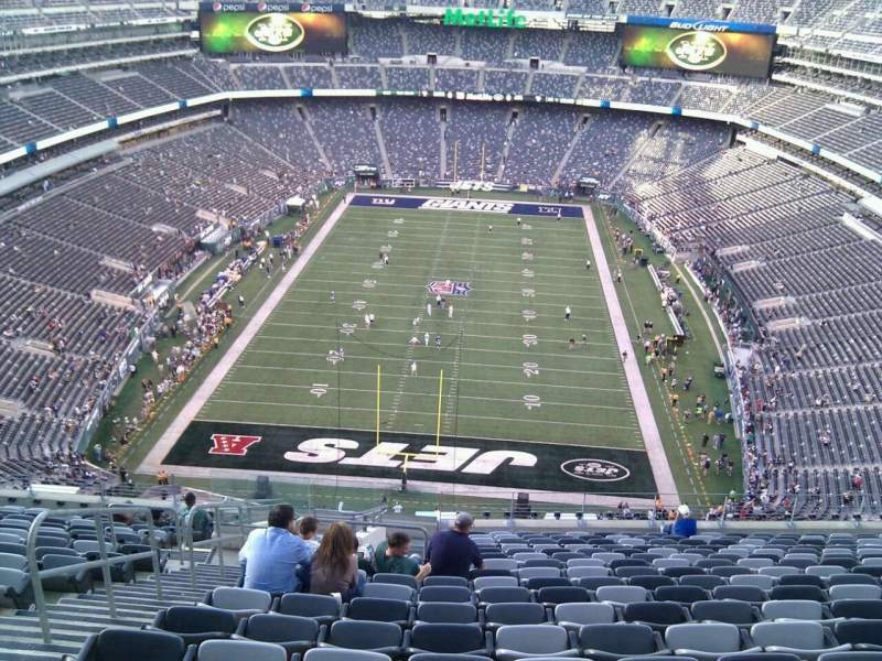 Seating view for MetLife Stadium Section 325 Row 21 Seat 25