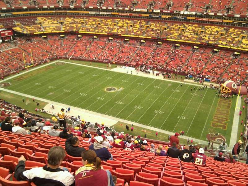 Seating view for FedEx Field Section 424 Row 25 Seat 9