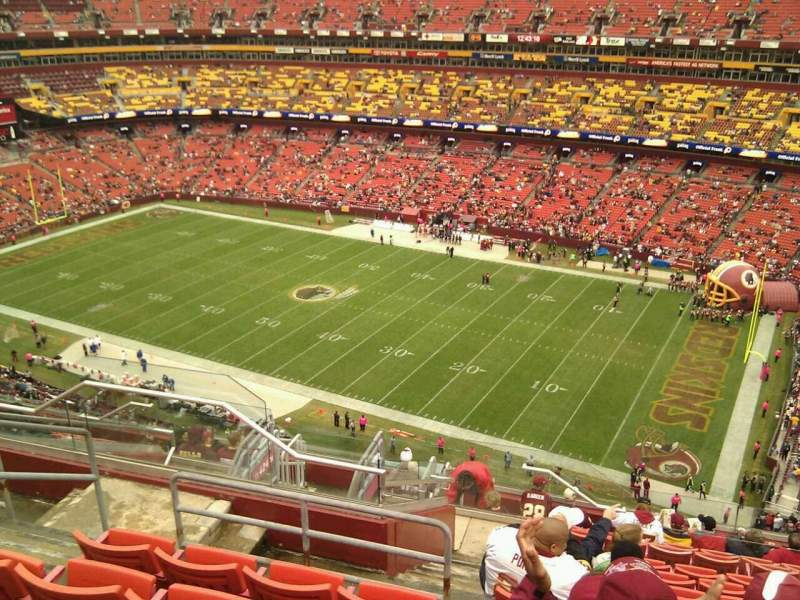 Seating view for FedEx Field Section 423 Row 13 Seat 20