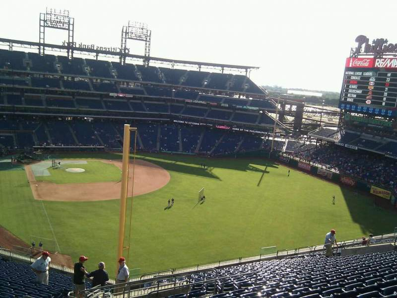 Seating view for Citizens Bank Park Section 305 Row 21 Seat 30