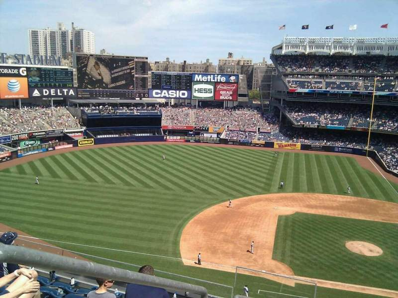 Seating view for Yankee Stadium Section 324 Row 7 Seat 20