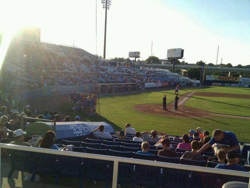 Frawley Stadium, section: d, row: 3, seat: 5