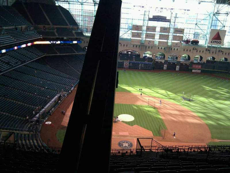 Seating view for Minute Maid Park Section 423 Row 15 Seat 16