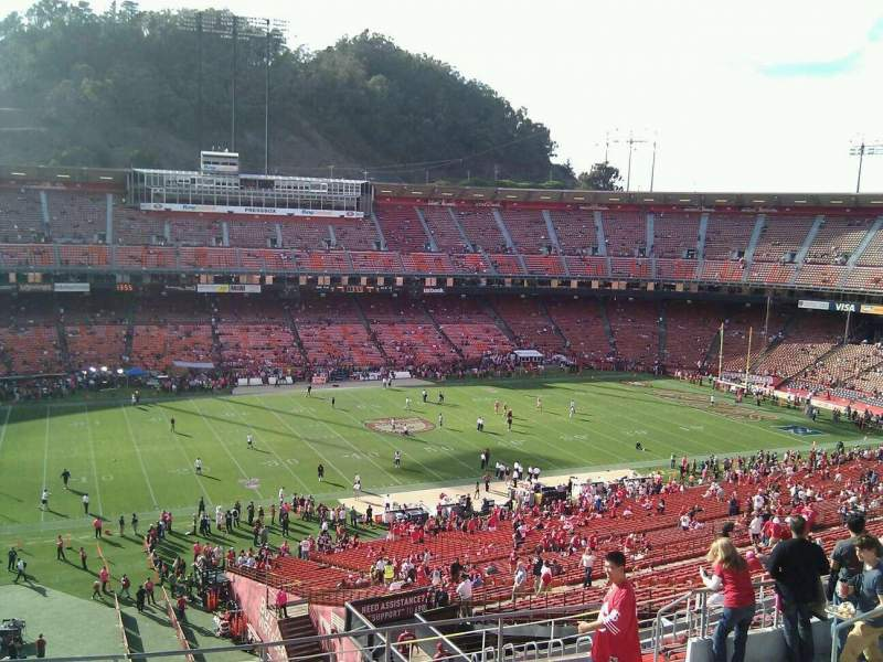 Seating view for Candlestick Park Section 33 Row 9 Seat 12