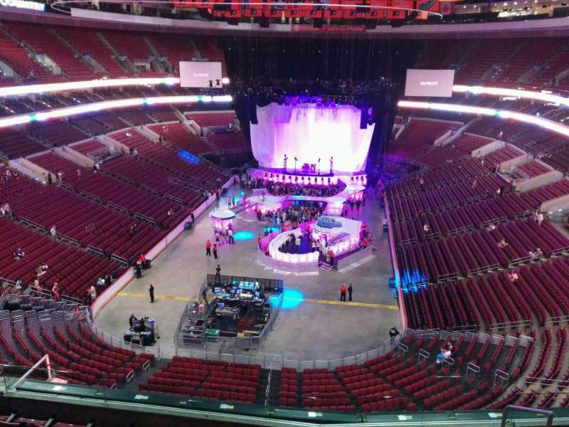 Seating view for Wells Fargo Center Section 207a Row 7 Seat 13