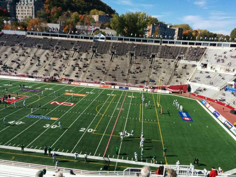 Seating view for Percival Molson Memorial Stadium Section R2 Row 17 Seat 22