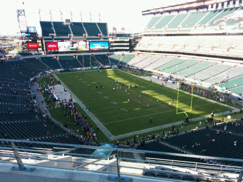 Seating view for Lincoln Financial Field Section mlpd Row 3 Seat 10
