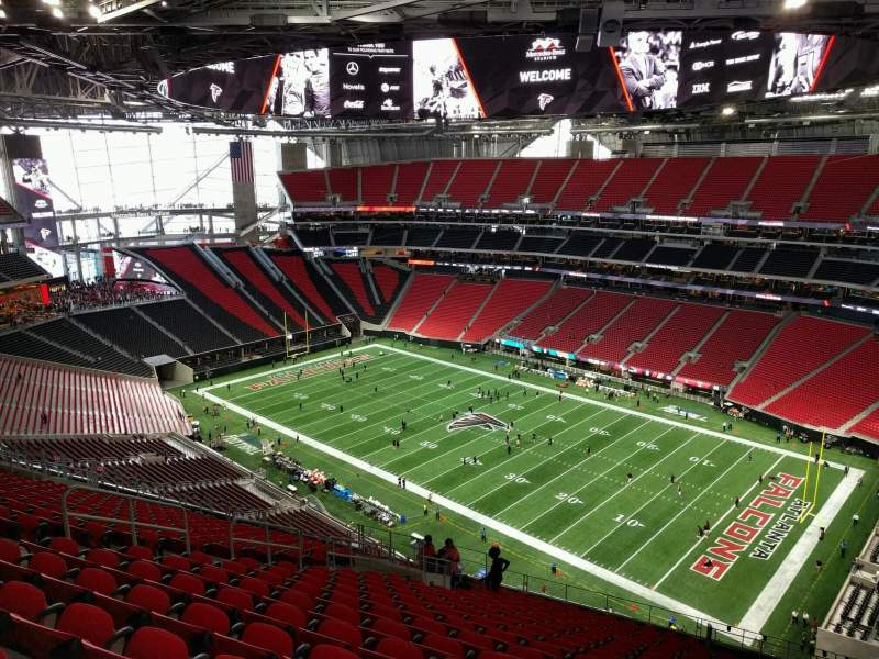 Mercedes benz stadium section 334 row 21 seat 14 for Hotels near mercedes benz stadium