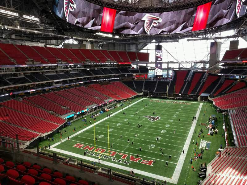 Mercedes benz stadium section 323 row 6 seat 10 for Hotels near mercedes benz stadium