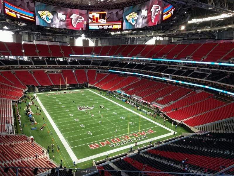 Mercedes benz stadium nivel 3 300 level casa de atlanta for Mercedes benz stadium atlanta united