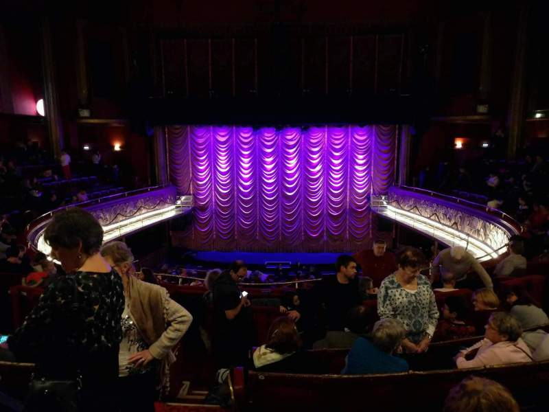 Seating view for Folies Bergère Section balcony Row f Seat 2