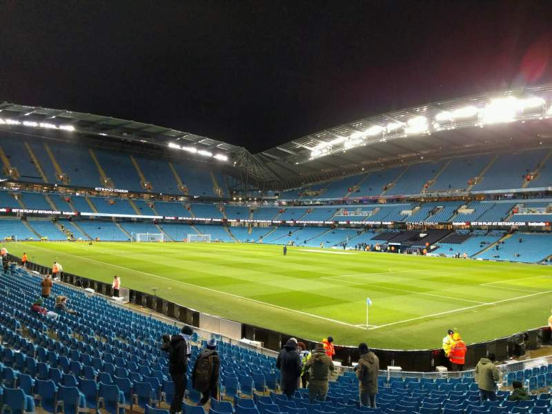 Etihad Stadium (Manchester), section: 140, row: u, seat: 1147