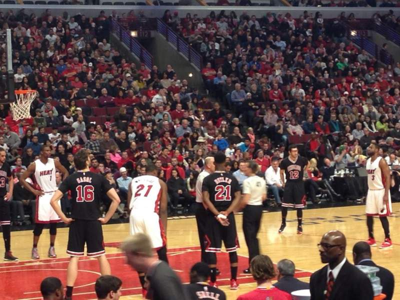 Seating view for United Center Section 102 Row 6 Seat 13