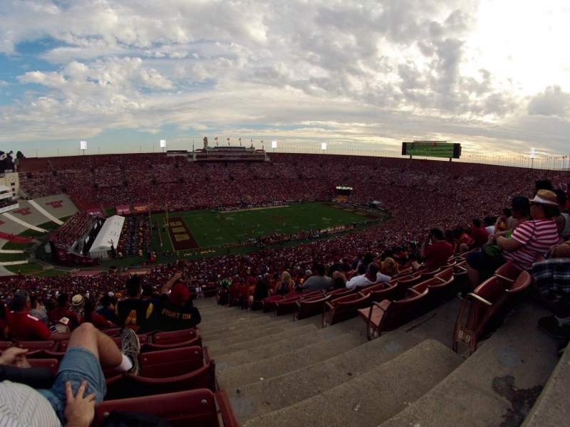 Seating view for Los Angeles Memorial Coliseum Section 25L Row 90 Seat 1