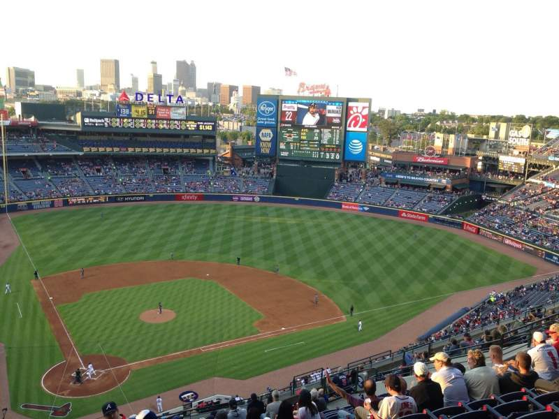 Seating view for Turner Field Section 405R Row 17 Seat 4