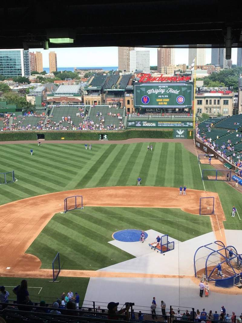 Seating view for Wrigley Field Section 413L Row 9 Seat 10