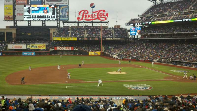 Seating view for Citi Field Section 122 Row 31 Seat 4