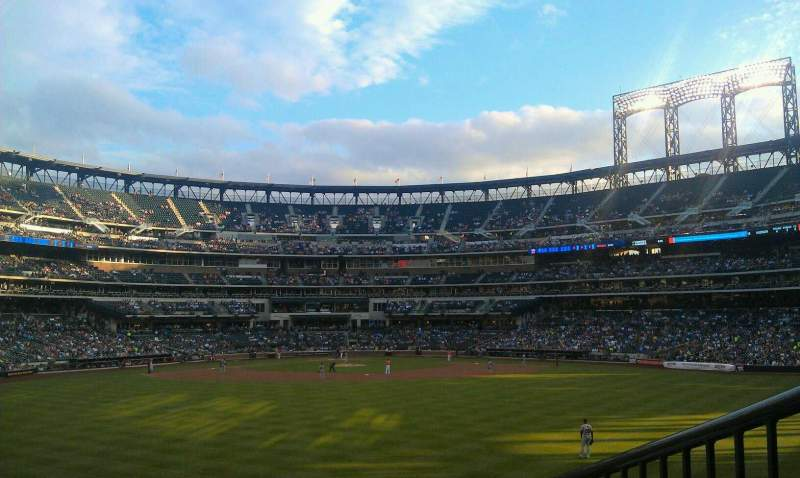 Seating view for Citi Field Section 140 Row 15 Seat 11
