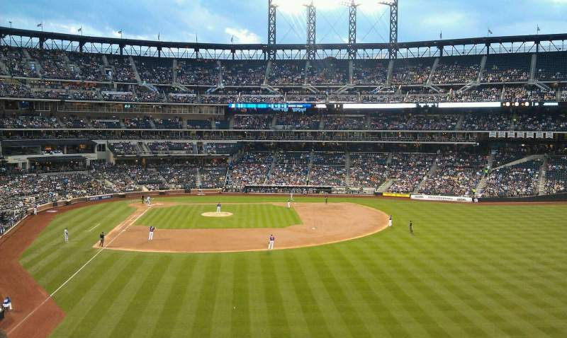 Seating view for Citi Field Section 302 Row 6 Seat 13