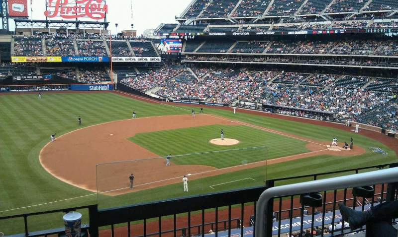 Seating view for Citi Field Section 329 Row 3 Seat 1